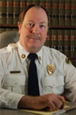 隊長のフィリップ・スティトルバーグは、法科大学院生だった1972年に消防車の運転を始めた。以来、弁護士業と消防活動が彼の人生で果たすべき仕事になった (courtesy of Philip Stittleburg)