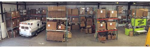 「国際火災救援団」は、寄贈された機材を海外の消防署に向けて発送する。発送前の機材の保管用スペースとして、ミネソタ州ノースブランチの配管業者が倉庫の一部を提供してくれた (Ron Gruening/IFRM)