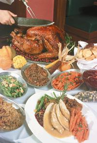 感謝祭ディナー(© AP Images)
