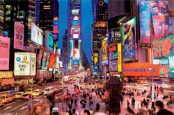ニューヨークの夜景の1つ、タイムズスクエア(© Paul Hardy/Corbis)